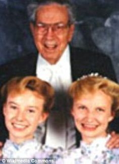 Pictures of FLDS Cult and The Self-Proclaim Prophet of Polygamy, Warren Jeff Crowded House, Sister Wives, Amish Family, Setting Up A Budget, Colorado City, Cute Poses, The Real World, Health Education, The Only Way