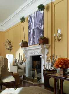 Charlotte Moss did this room in Farrow and Ball's Orangery