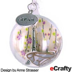 Here's some fresh ideas for creating easy person-alized fillable gifts you can be working on NOW for heart felt gifts this holiday season! Fillable Acrylic Ornaments and Gift Holders Look a… Xmas Crafts, Christmas Projects, Christmas Diy, Christmas Ornaments, Bottle Jewelry, Bottle Charms, Diy Crafts Jewelry, Diy And Crafts Sewing, Beaded Ornaments