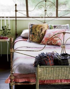 Sleeping porch, love the iron bed Decor, Home Bedroom, Bedroom Boho, Home Decor, Country Bedroom, Chic Bedroom, Modern Country Style, Iron Bed, Boho Chic Bedroom