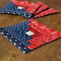 Patriotic Colors Log Cabin Quilted Coasters - Mug Rugs - of July - Independance Day - Americana - Blue Red Cream - from RyensMarketplace. Blue Quilts, Star Quilts, Mini Quilts, Quilted Coasters, Quilted Potholders, Mug Rug Patterns, Quilt Patterns, Canvas Patterns, Quilting Projects