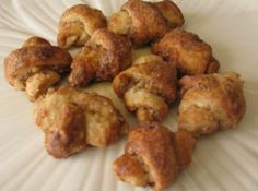 8 Recipes for a Festive Hanukkah Rugelach Cookies, Rugelach Recipe, Vanilla Recipes, Chocolate Recipes, Cookie Recipes, Dessert Recipes, Cinnamon Cream Cheeses, Unsweetened Cocoa, Quick Easy Meals