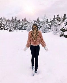 41 Best Ideas For Travel Outfit Ideas Winter Disney Outfits, Photo Ski, Mode Outfits, Winter Outfits, Winter Wonderland, Outfit Online, Snow Outfit, Foto Casual, Winter Pictures