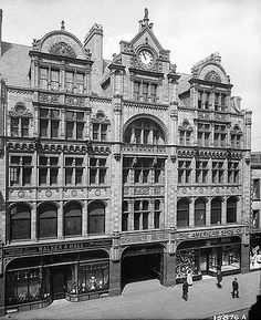 Jul 1900 Shared by Motorcycle Fairings - Motocc Manchester Street, London Manchester, Manchester Police, Old Pictures, Old Photos, Architecture Old, Victorian Architecture, Rochdale, Victorian Photos