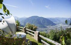 Auch unser Garten hoch über Bozen bietet eine Atemberaubende Aussicht.