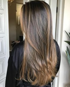 Are you going to balayage hair for the first time and know nothing about this technique? We've gathered everything you need to know about balayage, check! Short Hair Styles Easy, Medium Hair Styles, Curly Hair Styles, Ombre Hair Color, Brown Hair Colors, Easy Hairstyles For Long Hair, Cool Hairstyles, Weave Hairstyles, Brown Hair With Highlights