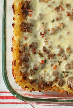 This Cheesy Cajun Beef and Potato Bake is the spicy, creamy comfort food casserole you've been craving. Just 304 calories or 8 Weight Watchers points! www.emilybites.com #healthy