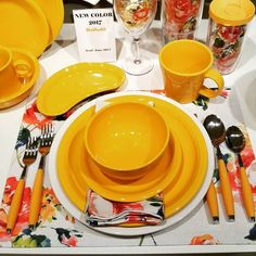 Daffodil is the Fiesta dinnerware color for 2017!