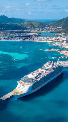 Cruise Travel, Cruise Vacation, Cruise Tips Royal Caribbean, Jamaica Cruise, Best Cruise Ships, Adventure Of The Seas, Climbing Wall, Rock Climbing, Cultural Experience