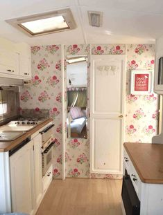 Our first caravan makeover. Take one ugly caravan and transform it! - Our first caravan makeover. Take one ugly caravan and transform it!