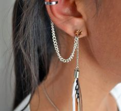 diy ear cuff from part of pen, chain and earing