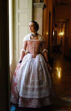 Period Outfit, Queen Anne, Traditional Dresses, Vintage Fashion, Design Inspiration, Valencia Spain, Gowns, 17th Century, Chic