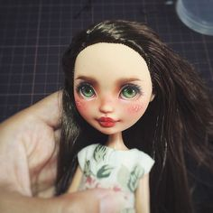 ❤#monsterhigh#repaint#dollrepaint #ooak#faceup #everafterhigh #ooakdoll #monsterhighrepaint #artdoll #everafterhigh #mh #eah #reroot #dollstagram #dollphotography #dollart #artdoll