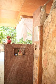 outdoor shower,tropical home ideas House Styles, New Home Designs, House Interior, Outdoor Shower, Dream Shower, Home Deco, Indian Home Design, Tropical Houses, Home Decor Styles