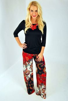 Super How To Wear Leggings Professionally Palazzo Pants 42 Ideas Street Style 2017 Summer, Street Style Edgy, Autumn Street Style, Star Fashion, Fashion Pants, Fashion Outfits, Latest Fashion, Fashion Tips, How To Wear Leggings