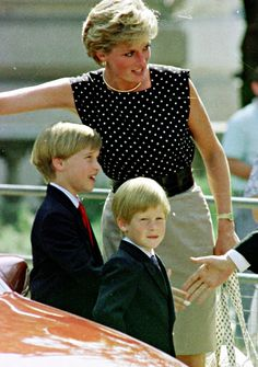 Princess Diana and her boys. William is on the left and Harry is on the right #gotitfrommymama