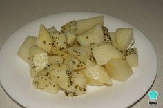 Aprende a preparar Patatas al vapor con hierbas lékué con esta rica y fácil receta. Esta es una forma muy sana de hacer unas patatas que serán un buen acompañamiento para cualquier plat...