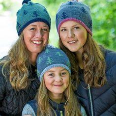 Strikkede huer til hele familien Knit Crochet, Crochet Hats, Hue, Ear Warmers, Headbands, Knitted Hats, Knitting, Journal, Socks