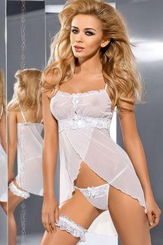 La nuisette V-5319 Hug Me est coquette et féminine par son design intriguant allié à la délicatesse du tulle blanc...♦ Retrouvez nous sur Luxuryalleydessou... ♦ #Luxuryalley #Axami #Axamilingerie #sexy #lingerie #feminine #seduction #Cute #Girl #grils #charme #Fallowme #Like #Follow #amazing #beautiful #love #fashion #Nuisette #HugMe #5319 ○○○○○○○○○○○○○○  #Luxuryalleydessous #lingerieaddict #lingeriefashion #instalingerie