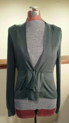 Womens Size Large Victoria's Secret Silk and Cashmere Green Cardigan Sweater GUC #VictoriasSecret #Cardigan #Silk #Cashmere #Soft #Cozy