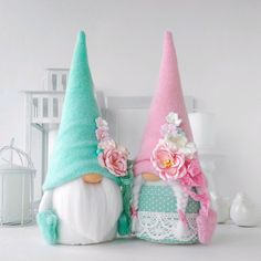 Christmas Shoebox, Christmas Gnome, Christmas Crafts, Yule Crafts, Diy And Crafts, Xmas Wallpaper, Inexpensive Christmas Gifts, Newspaper Crafts, Craft Free