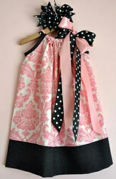 pillowcase dress, i love making these. this picture just inspired me to try a new pillowcase dress design. Little Girl Dresses, Little Girls, Girls Dresses, Baby Dresses, Sewing For Kids, Baby Sewing, Fashion Kids, Sewing Clothes, Diy Clothes