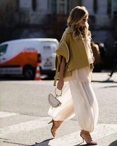 Perfect spring Chloe outfit. #ootd #paris #parisian #parisianlife #chloe #chloebag #chloeoutfit #parisfashionweek #spring #xeniaoverdose #fabfashionfix