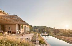 casa palerm mallorca – Google Kereső Ceramic Roof Tiles, Outdoor Centre, Pergola, Hotel Architecture, Online Architecture, Drawing Architecture, Roman Architecture, Window Design, Mediterranean Style