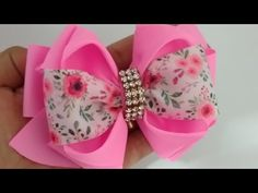 LAÇO VIOLETA 🎀🎀🎀 - YouTube Instruções Origami, Hair Bow Tutorial, Christmas Bows, Boutique Hair Bows, Diy Bow, Blouse Designs, Baby Shoes, Arts And Crafts, Girly