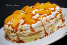 Cake pancakes with caramel syrup Easy Desserts, Delicious Desserts, Great Recipes, Favorite Recipes, Romanian Food, Romanian Recipes, Griddle Cakes, Good Food, Yummy Food