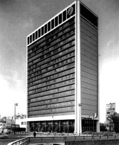 Edificio COMERMEX 1970  México D.F.  Arq. Héctor Mestre, Arq. Manuel de la Colina