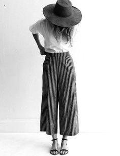 total look oversize pantalon large talon rayures