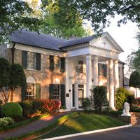 Graceland...home of Elvis Presley!! Want to go!! Memphis, Tennessee