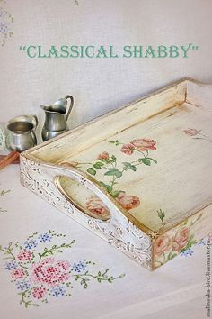 Bandeja desayuno, facil de hacer y divinaaaa! Decoupage Furniture, Decoupage Box, Decoupage Vintage, Painted Furniture, Shabby Chic Crafts, Shabby Chic Decor, Diy Painting, Painting On Wood, Decoupage Printables