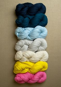yarn for worsted twist super easy blanket (purl soho)