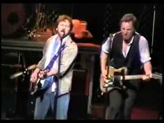 Bruce Springsteen / Eddie Vedder (Better Man) 13/10/2004 - YouTube