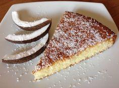 Coconut cake soft and smooth Coconut Deserts, Coconut Flour Recipes, Italian Desserts, Italian Dishes, Sweet Recipes, Cake Recipes, Torte Cake, Something Sweet, No Bake Cake