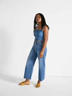 our friend ebony wears madewell wide-leg crop jeans, denim button-front crop top + the naida half-bow sandal.