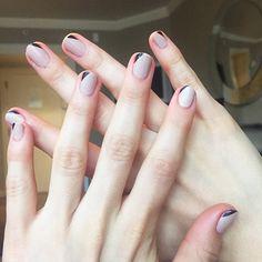 Emmy Rossum's minimalist nail art