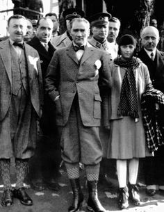 Mustafa Kemal Atatürk and his wife Latife. Republic Of Turkey, The Republic, Plus Fours, Turkish Army, The Legend Of Heroes, The Turk, Fathers Love, Great Leaders, World Leaders