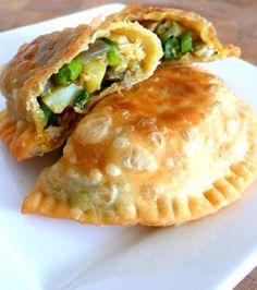 C O O K a L O C A » Blog Archive » Empanada with chicken and vegetable stuffing | Pastel goreng