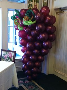 ~ Balloon grapes in 2019 Wine Party Decorations, Wine Decor, Balloon Decorations, Balloon Columns, Balloon Arch, Balloons, Wein Parties, First Communion Decorations, Italian Party