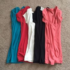 Wet Seal - Bundle Of 5 V-Neck Shirts! Pre-owned Bundle Of 5 V-Neck Shirts Size XS! All In Good Condition. Happy Poshing. Wet Seal Tops Tees - Short Sleeve
