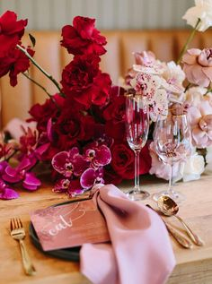 Beautiful Wedding Reception Decoration Ideas - Put the Ring on It Pink And Gold Wedding, Floral Wedding, Wedding Colors, Red Wedding Flowers, Wedding Black, Red Centerpieces, Wedding Table Centerpieces, Centerpiece Flowers, Centerpiece Ideas
