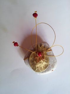 Christmas Crafts, Christmas Decorations, Christmas Ornaments, Holiday Decor, Christmas Ideas, Wood And Metal, Incense, Charmed, Painting