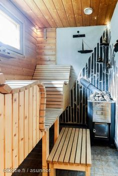 sauna made of pallets Diy Sauna, Sauna House, Sauna Room, Outdoor Sauna, Outdoor Baths, Building A Sauna, Sauna Shower, Portable Sauna, Sauna Design