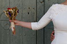 Vedi la foto di Instagram di @lisola_fotografia • Piace a 14 persone Country Wedding Flowers, Instagram Posts, Fotografia, Bridal Gowns, Flowers