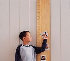 Diy Wooden Ruler Growth Chart inspired by Pottery Barn. A vinyl chart costs so a wooden one from there would be a lot more. This chart costs about 10 dollars to make! Growth Chart Ruler, Growth Charts, Knock Off Decor, Playroom Design, Playroom Ideas, Basement Ideas, Nursery Ideas, Nursery Decor, Licht Box