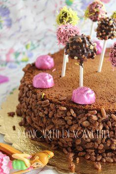 Torta lollypops I manicaretti di nonna Lella http://blog.giallozafferano.it/graziagiannuzzi/torta-lollipops-cioccolato/