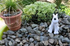 How to make custom twisted wire edging or fencing in traditional patterns  for miniature and doll's house gardens